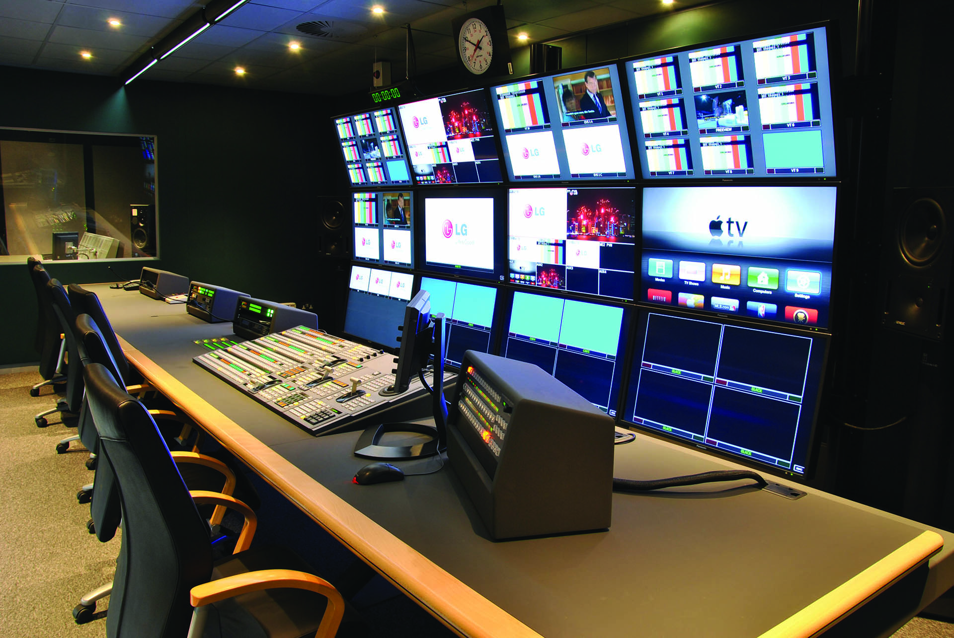 Broadcast Furniture From Mw Video Systems Thinking Space