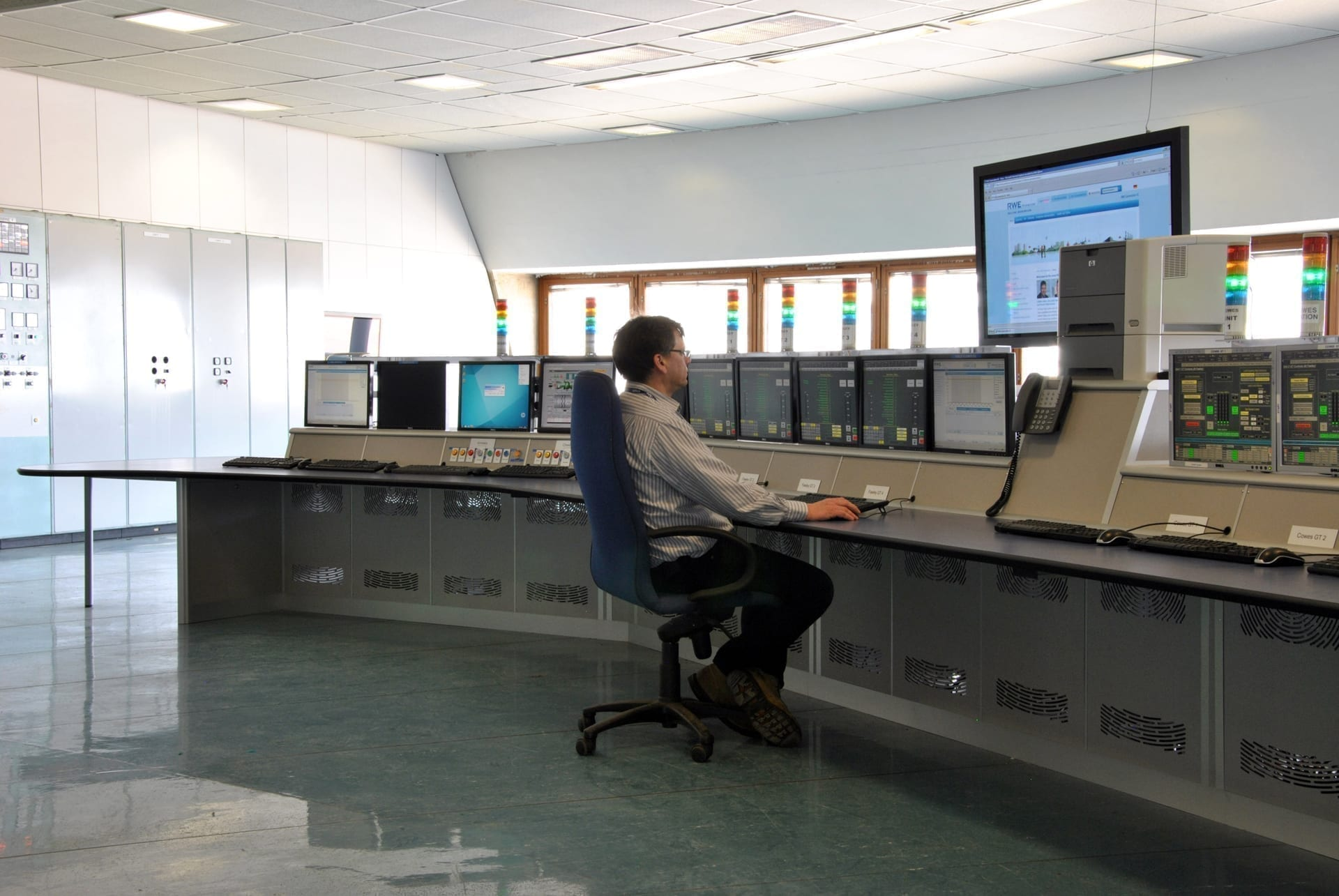 process control example fawley new desk