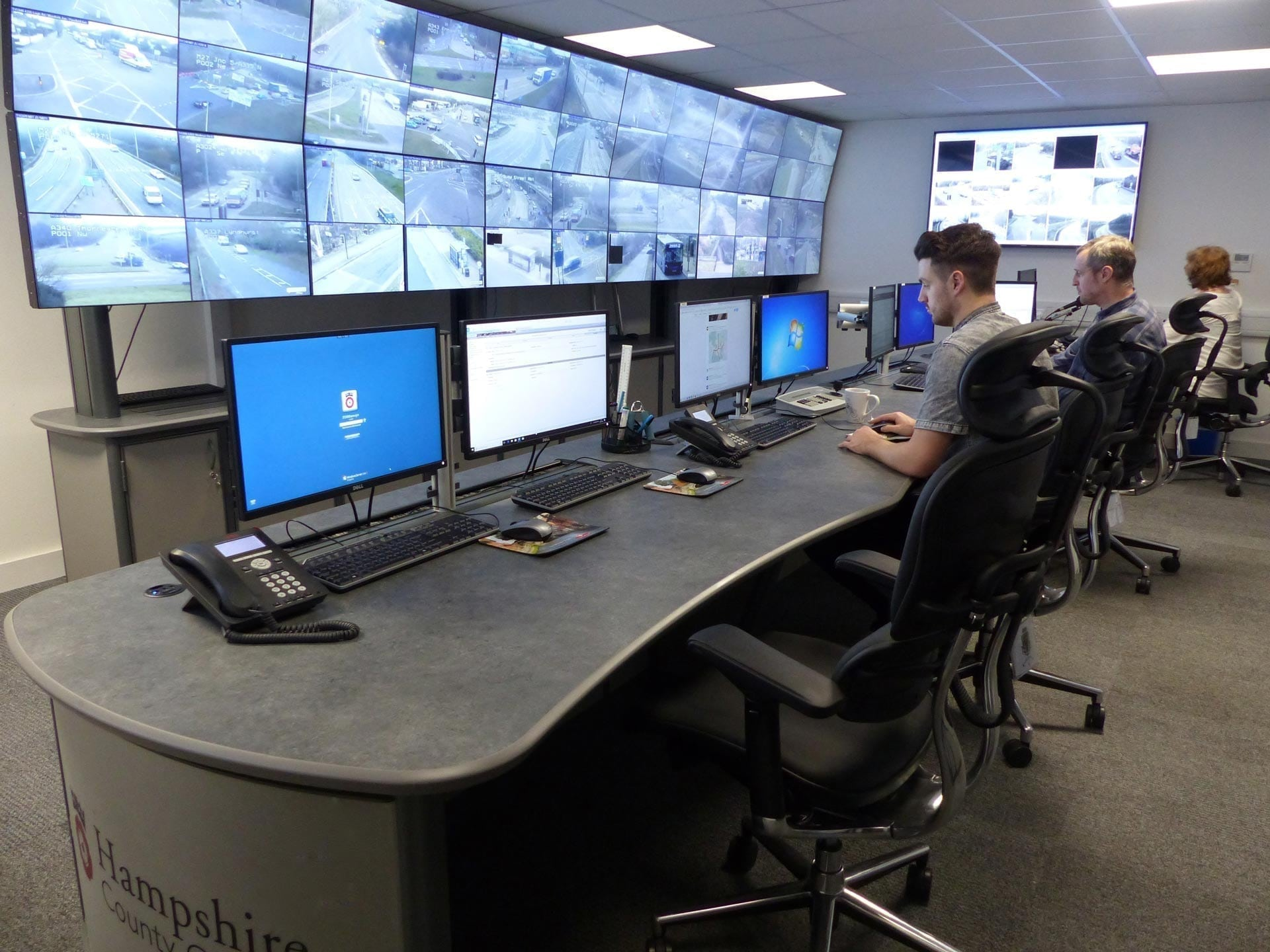 hampshire-council-council traffic control room