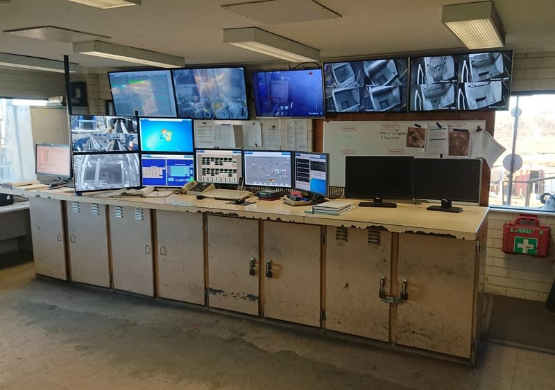 existing-control-room-furniture-emr-golden-grove