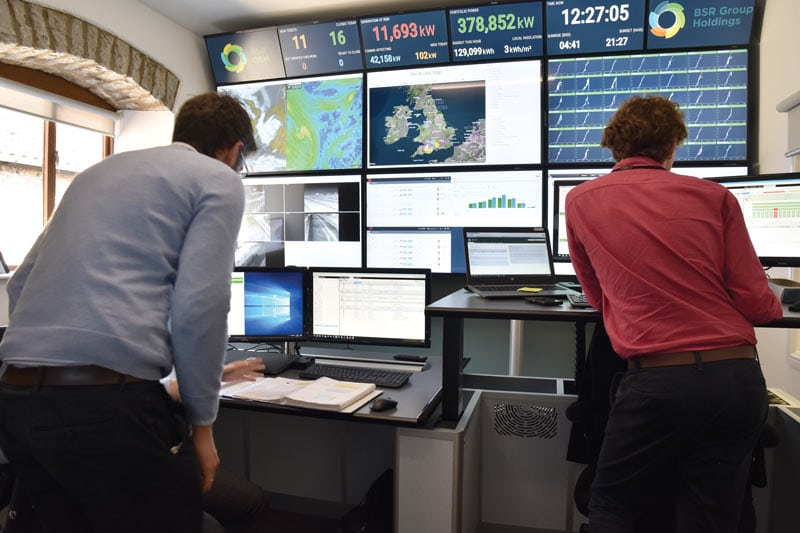 bsr-monitoring-control-room close up